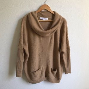 Jaclyn Smith Cowlneck lounge sweater medium